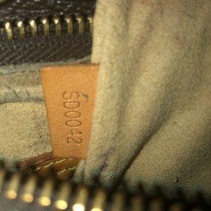 Louis Vuitton Bags - Louis Vuitton medium looping bag